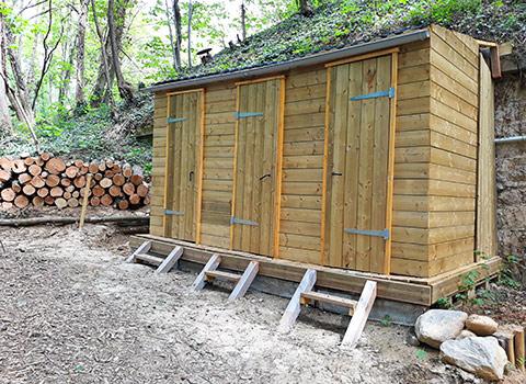 toilettes sèches cabane en bois parc vanciaventure lyon